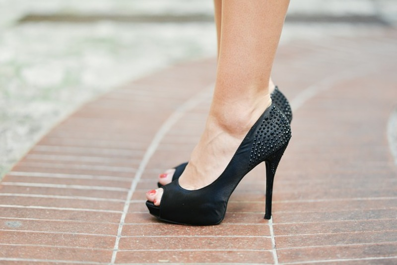 Black Pumps